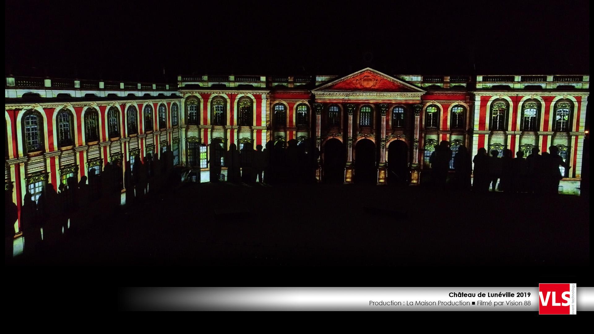 grand spectacle avec mapping vidéo sur le Chateau de Luneville