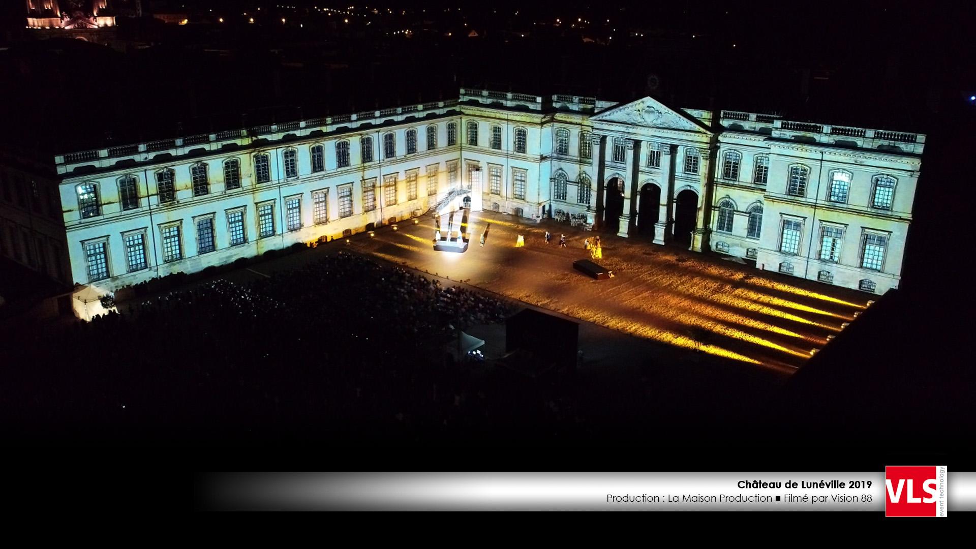 """Mapping son et lumière spectacle au Chateau de Luneville """" Les Métamorphoses du Chateau"""""""