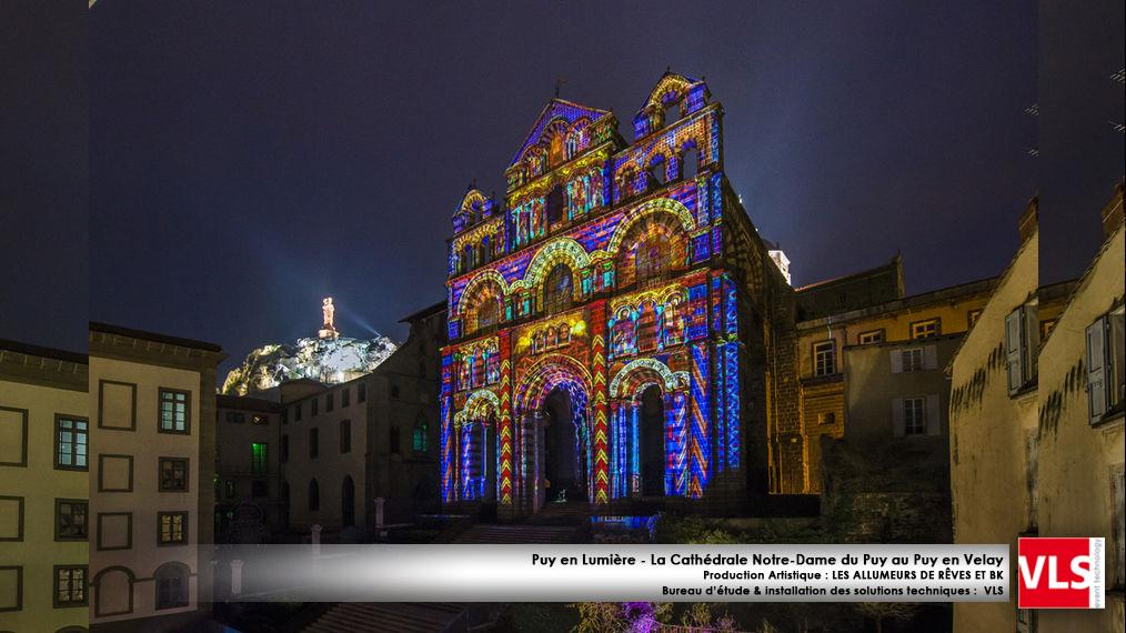 Mapping monumental sur la Cathédrale de Notre Dame du Puy au Puy evlay - installation de solution perenne