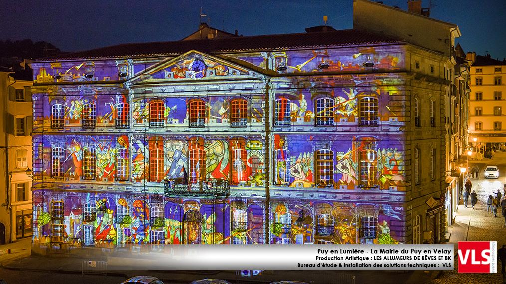 installation-mapping-permanent-Puy-en-Lumieres-La-Mairie-du-Puy